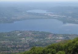 Domenica 29 aprile sarà una giornata da vivere per chi desidera addentrarsi nella bellezza del lago di Varese