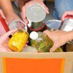 Fruttuosa  la raccolta di generi alimentari non deperibili a Caravate