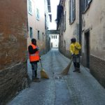 I migranti a Orino aiutano da diversi mesi l'amministrazione a mantenere pulito il paese.