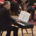 """Momento  musicale al pianoforte di Gianni Crugnola con melodie famose nel  concerto augurale della """" Schola Cantorum"""""""