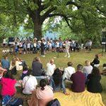 """Sotto il Tiglio secolare di Orino la celebrazione della Santa Messa con la partecipazione del """"Piccolo Coro Valcuvia e il Piccolo Coro Rosetum"""""""