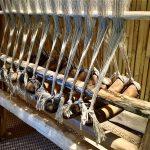 A l'isolino Virginia un telaio, opera dell'archeologo ricostruttore Cristiano Brandolini