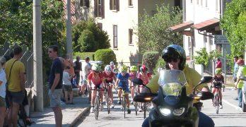 I giovanissimi ciclisti in gara a Orino